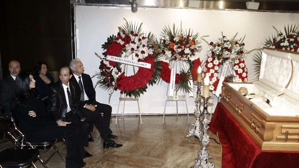 La capilla ardiente de Tony Leblanc en el Teatro Fernán Gómez de Madrid