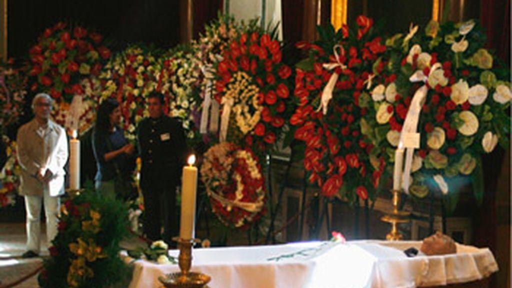 El cuerpo de Saramago en la capilla ardiente de Lisboa