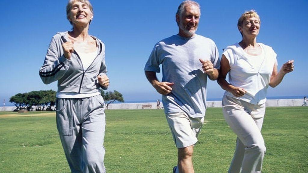 correr, gente mayor sana