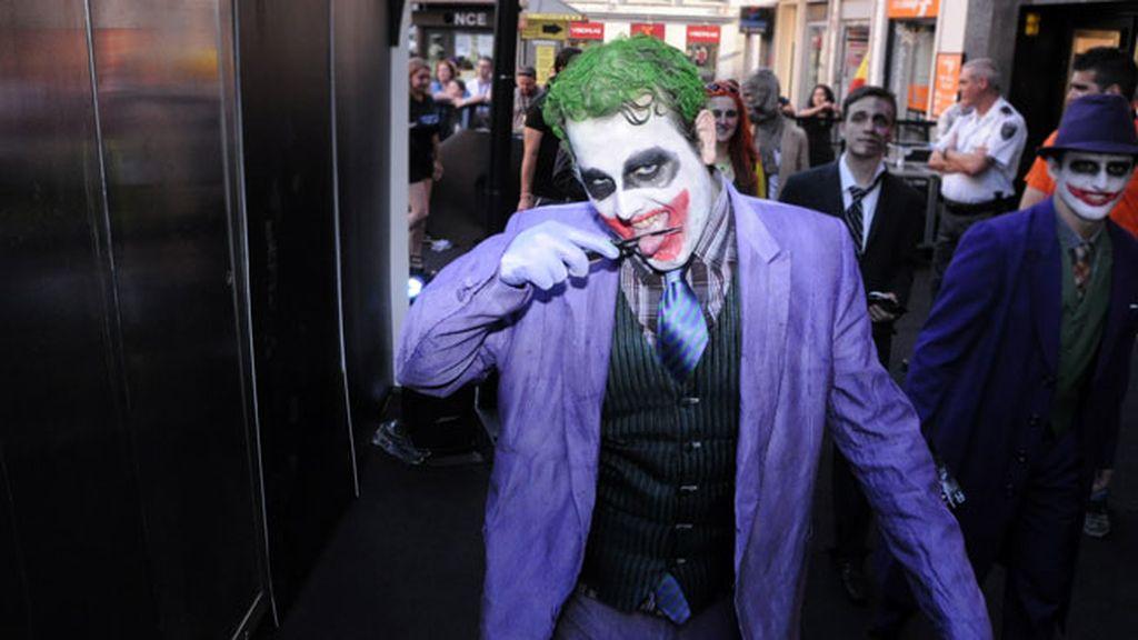 Los fanáticos de la saga Batman no dudaron en disfrazarse para el estreno.