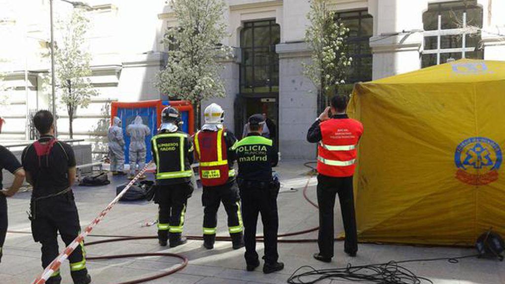 Los TEDAX investigan un sobre sospechoso en Palacio de Cibeles