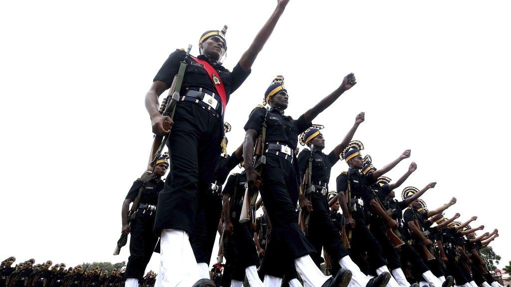Ceremonia de graduación de nuevos soldados en Bangalore