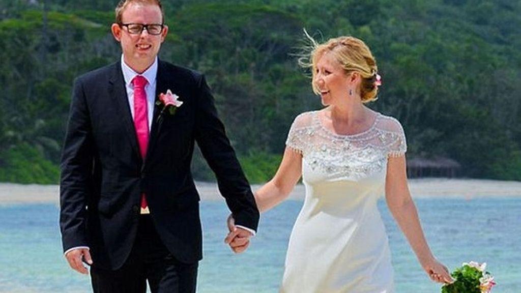 Descubre a su marido en un 'reality' con otra mujer y le acusa de bigamia