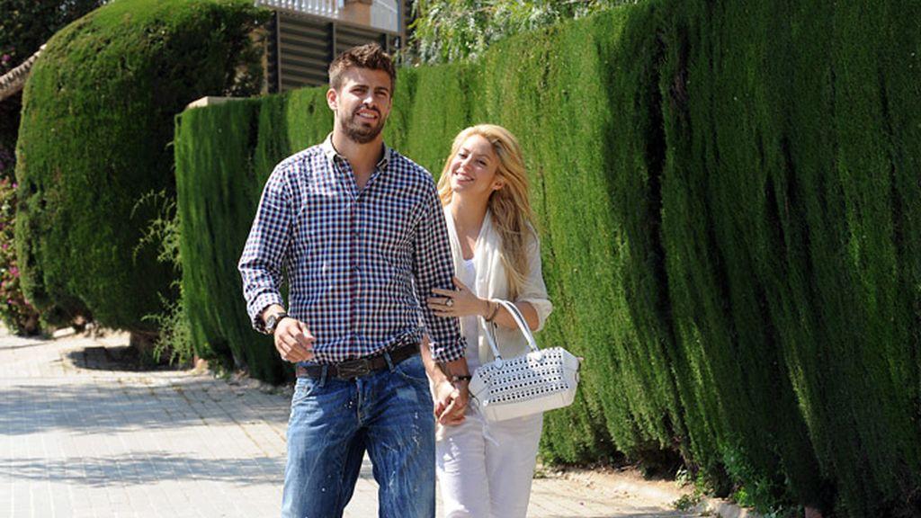 Shakira y Piqué pasean su amor por las calles de Barcelona