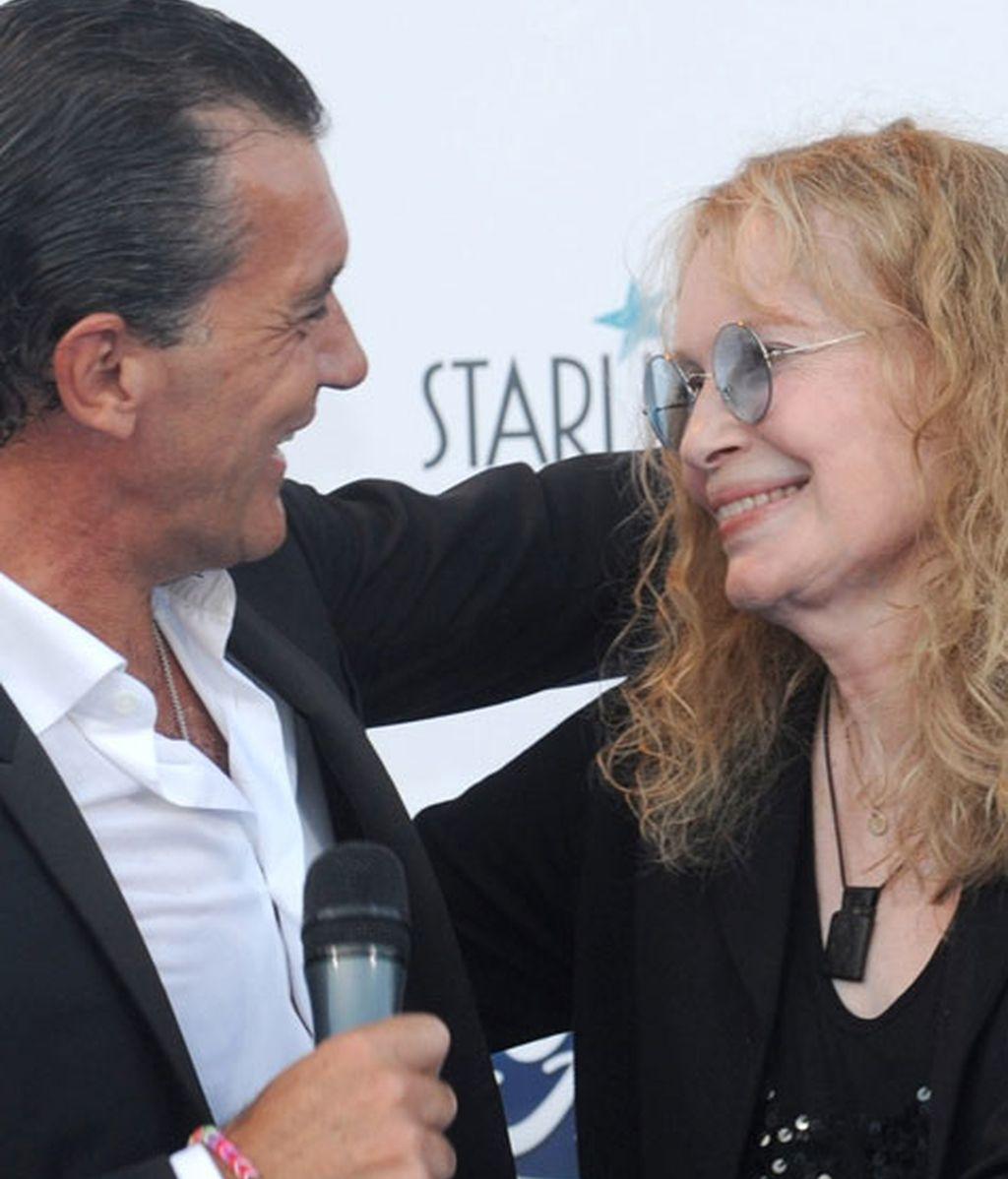 Antonio Banderas acudió en compañía de su amiga Mía Farrow