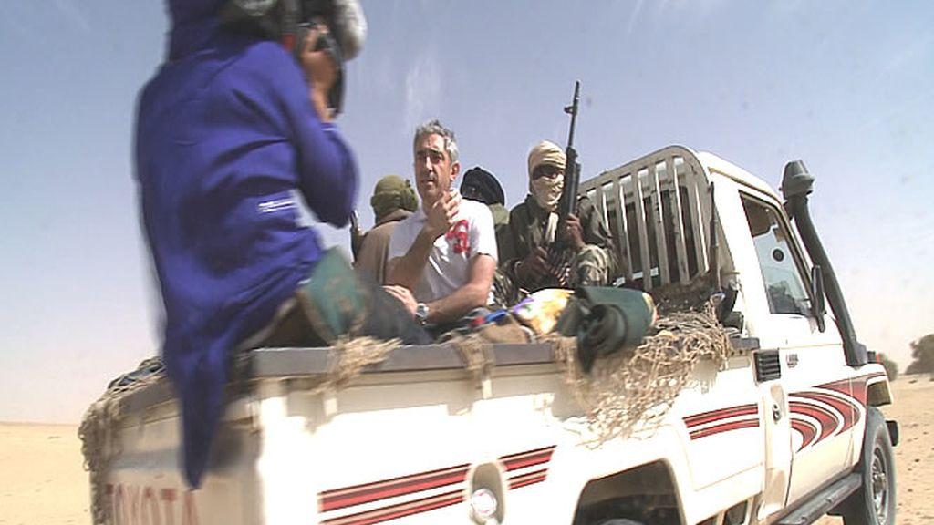 El equipo se desplaza durante la grabación en esta furgoneta