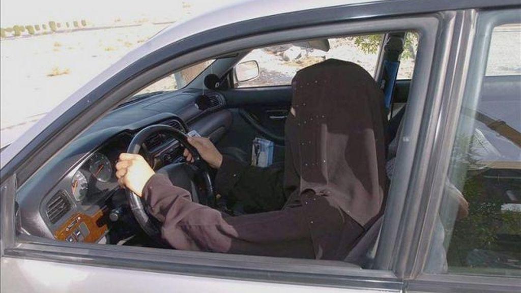 Polémica: Según un jeque Salah al-Luhaydan conducir afecta a la fertilidad