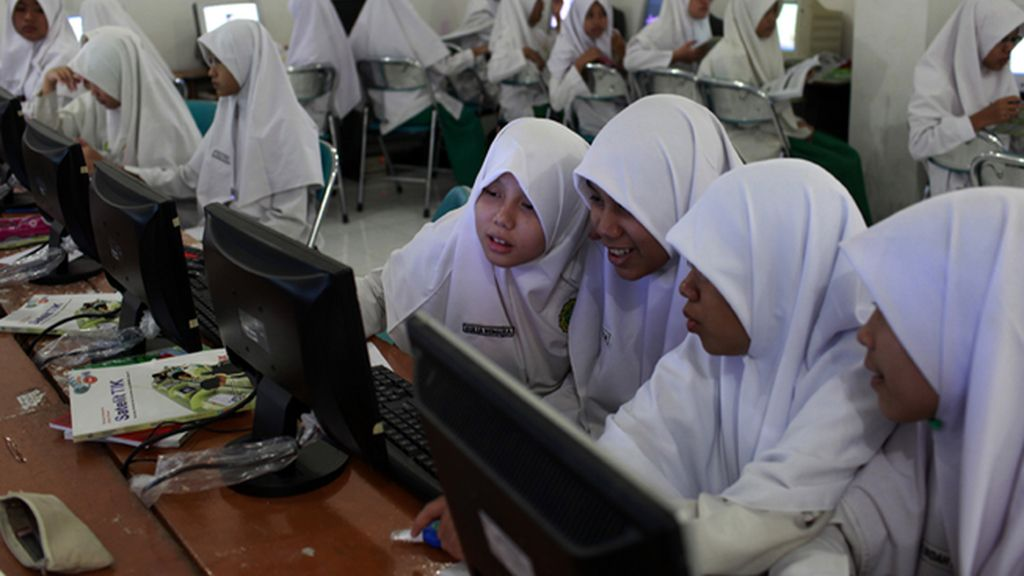 Proponen practicar un test de virginidad a las mujeres antes de entrar en bachillerato