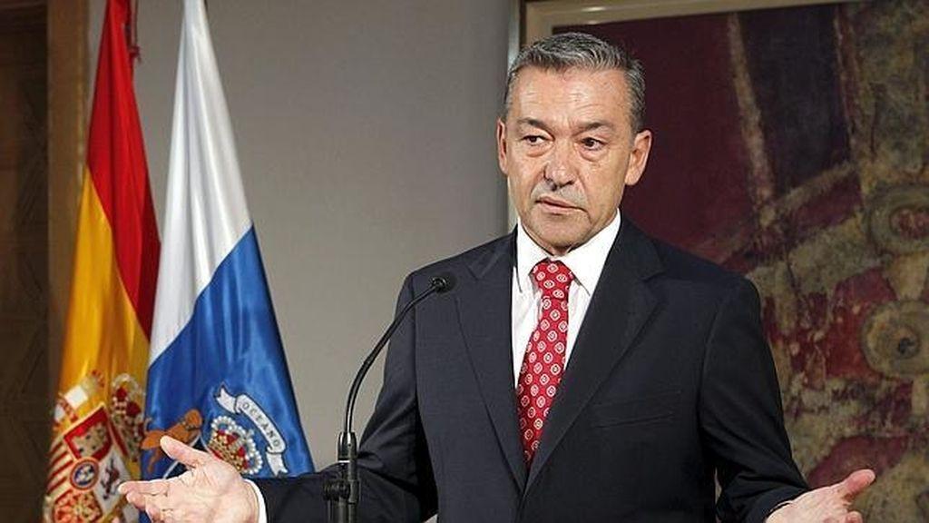 """El Gobierno canario ha admitido que sale """"más rentable y conveniente"""" adherirse al FLA que pedir crédito a la banca."""