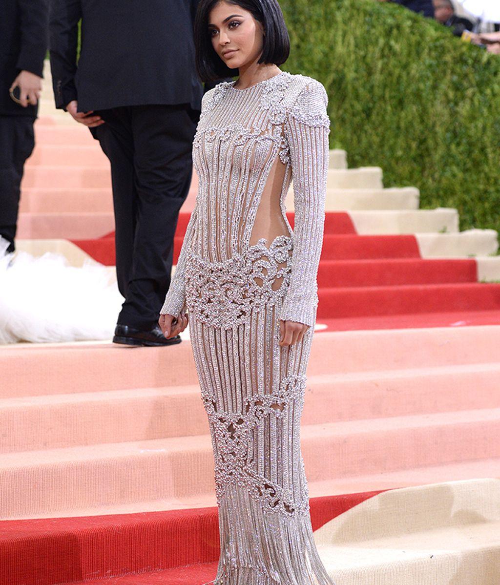 Kylie Jenner vestida de Balmain