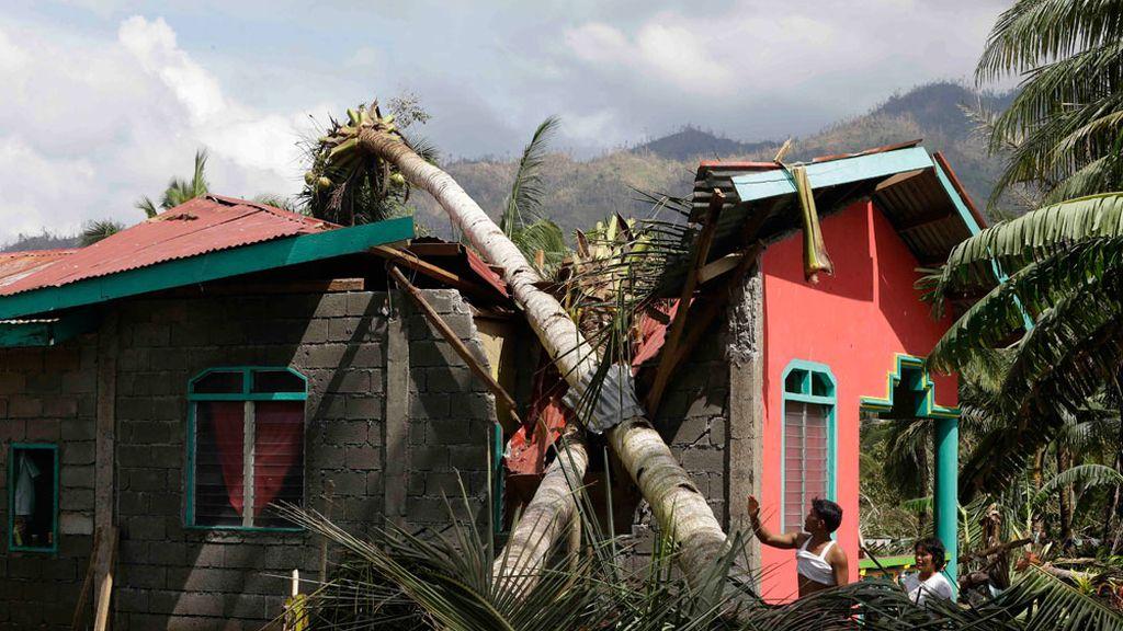Destrozos causados por el tifón Pablo en Filipinas