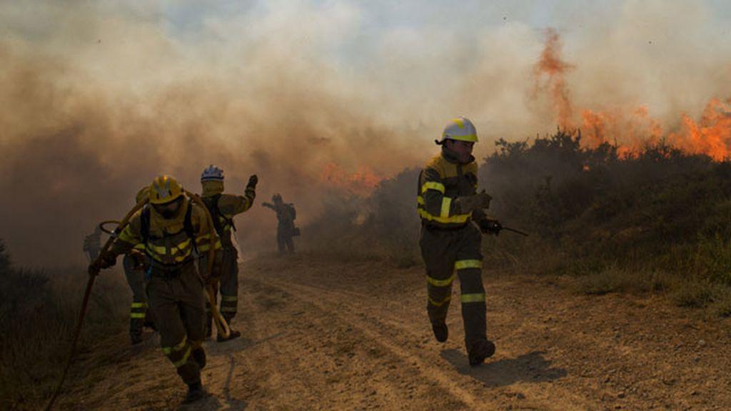 El incendio de Ourense llega hasta Portugal