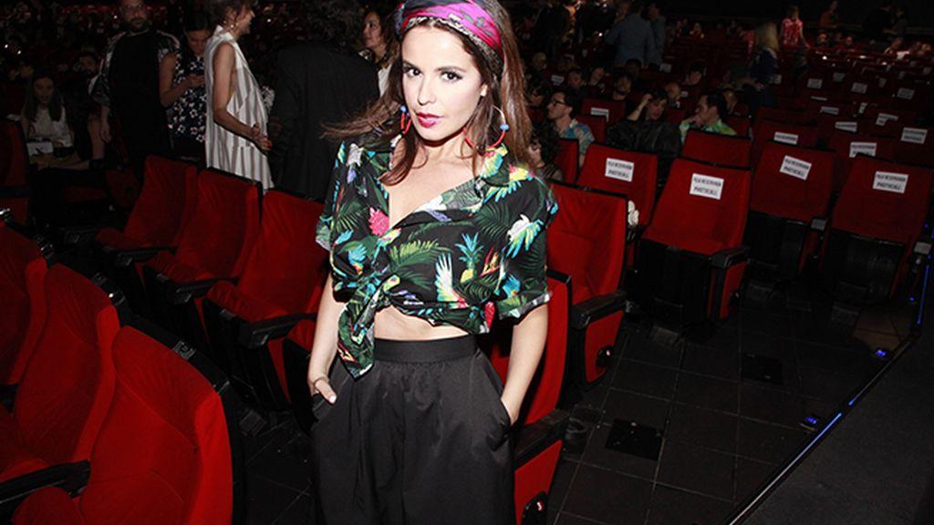 Marta Torné se marcó un recogido de lo más tropical con un pañuelo de Hermès