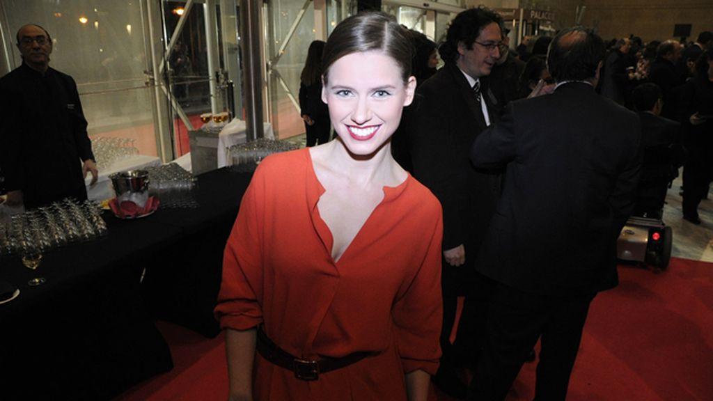 Manuela Vellés acudió con este vestido de Carmen March
