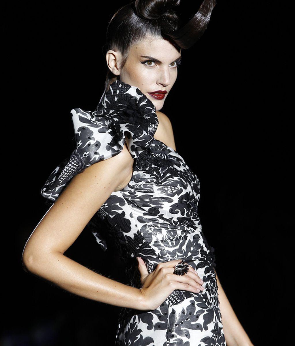 Hannibal Laguna presenta una colección muy del estilo Paz Vega