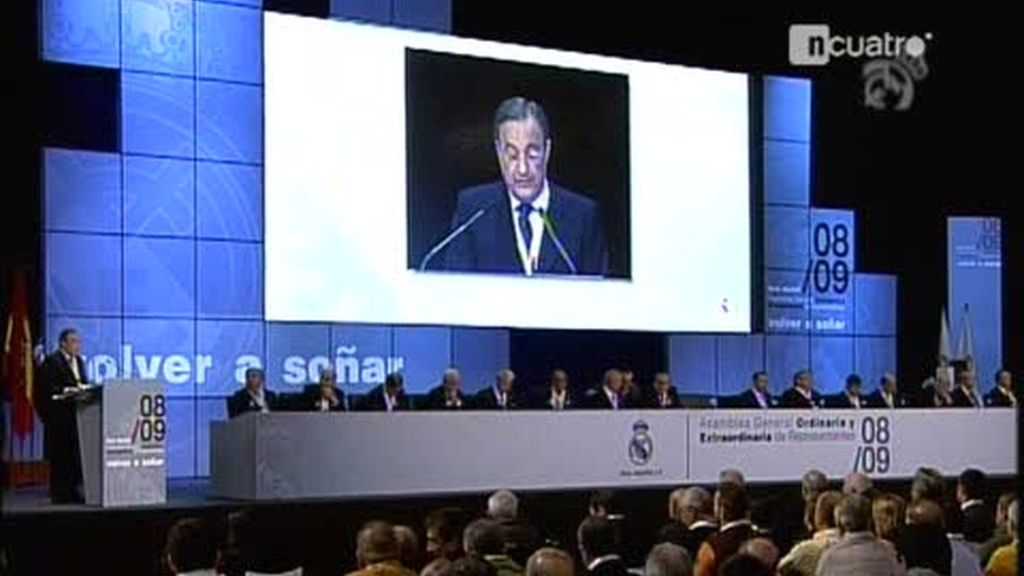 Florentino arrasa en la Asamblea del Real Madrid