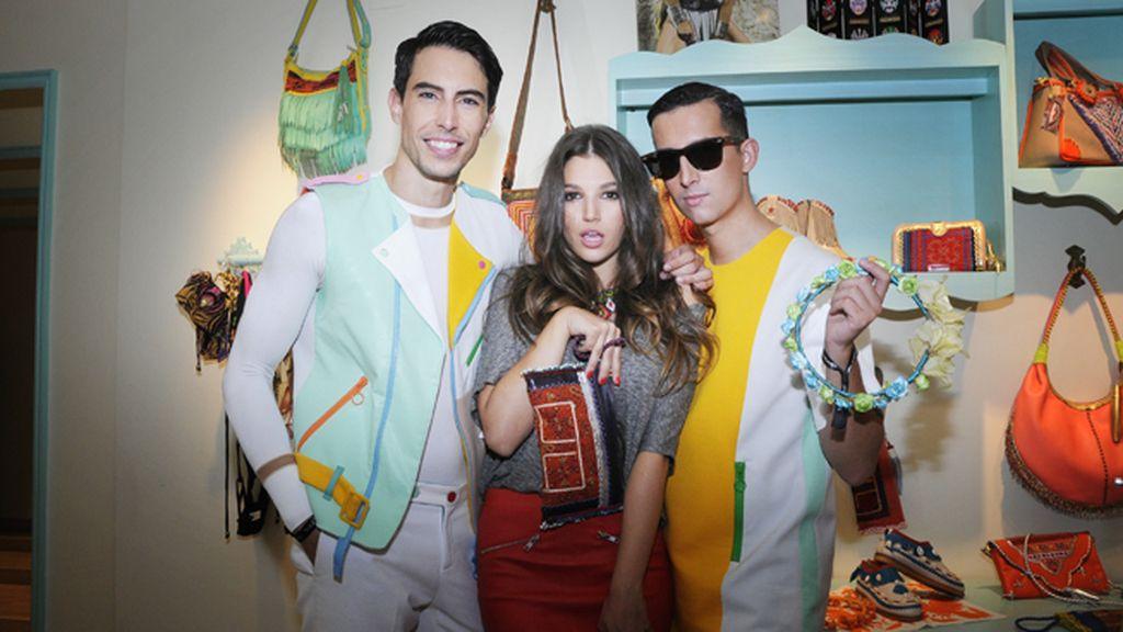 En la tienda de World Family Ibiza con nuestra querida Úrsula Corberó, vestidos de Davidelfín