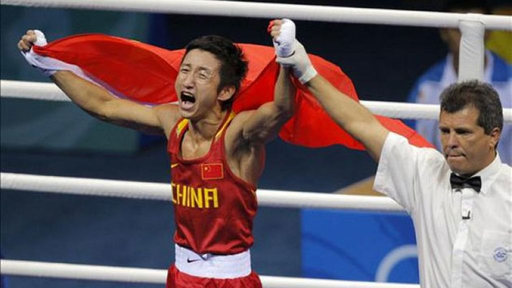 Zou dio a China la primera medalla de oro en boxeo