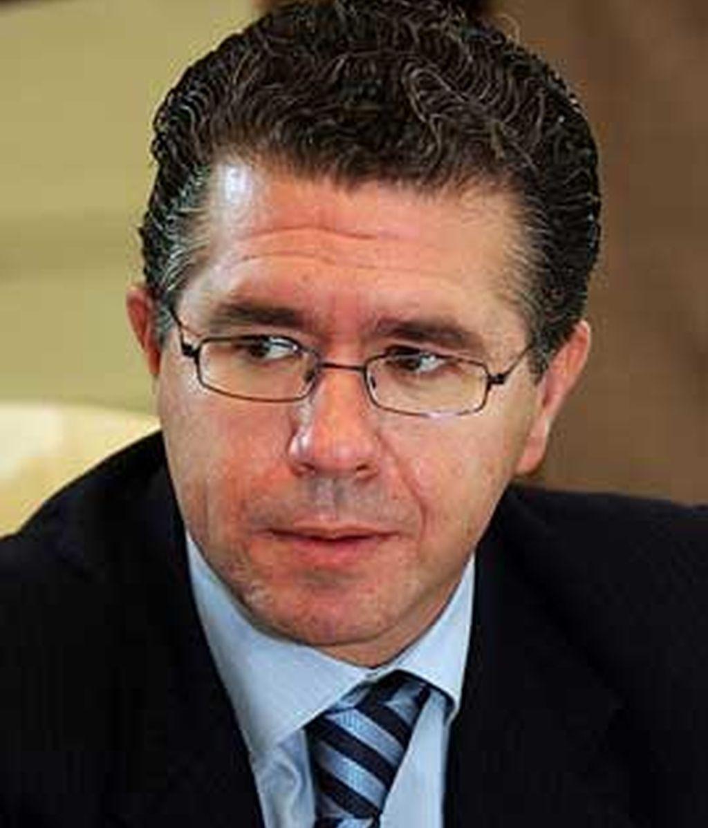 Francisco Granados se ha visto envuelto en varios escándalos sobre presuntas relaciones con constructores. Vídeo: ATLAS