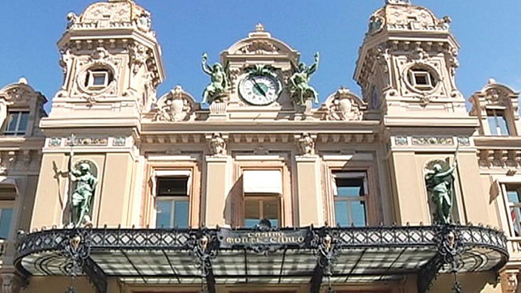 Impresionante fachada del Casino de Montecarlo