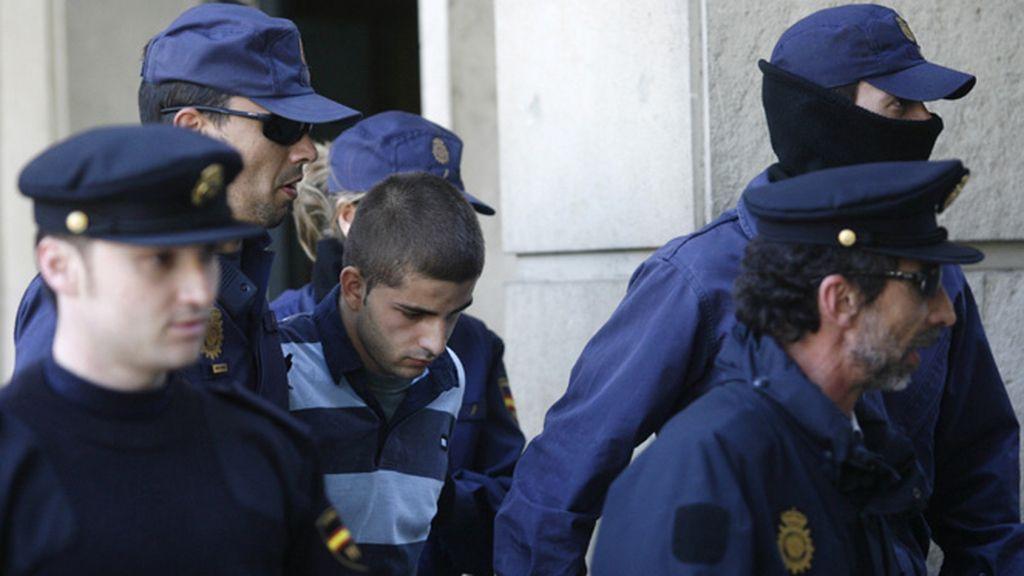 Miguel Carcaño es conducido a los juzgados