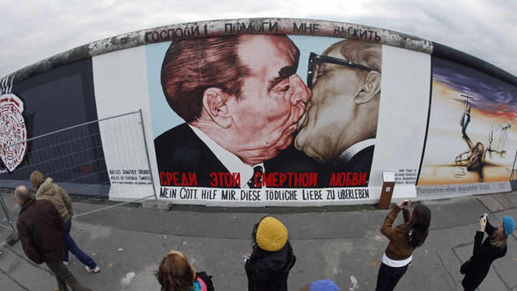Las pinturas del muro, uno de los grandes atractivos para los turistas