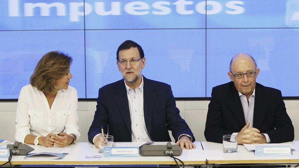 Rajoy reúne a la dirección del PP y de Hacienda para difundir la reforma fiscal