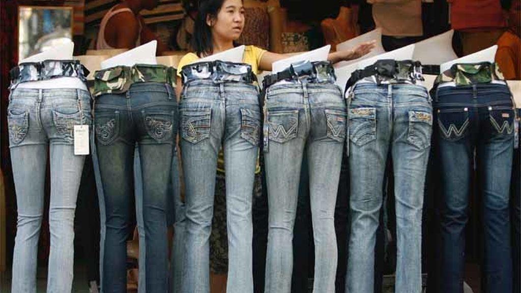 Exposición de pantalones vaqueros