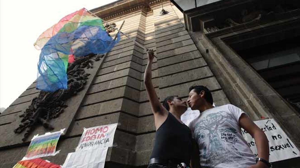 México celebra las bodas homosexuales