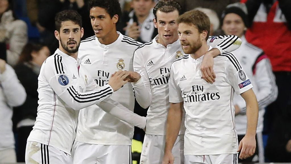 Isco, Varane, Bale e Illarramendi se abrazan tras marcar otro tanto