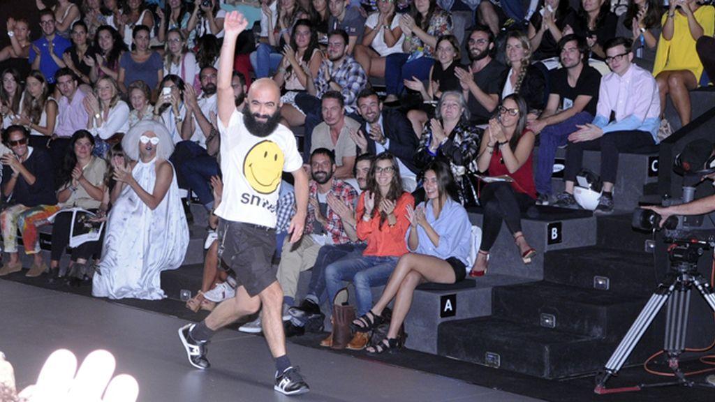 La energía desbordante de Carlos Díez quedó patente cuando salió a saludar a su público