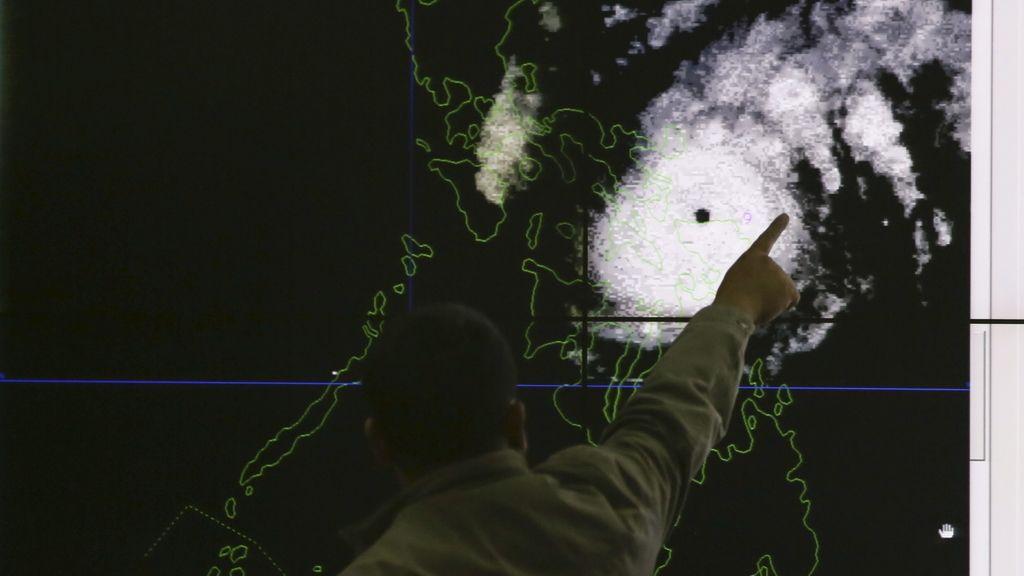 El tifón 'Melor' toca tierra en Filipinas dejando al menos 725.000 evacuados