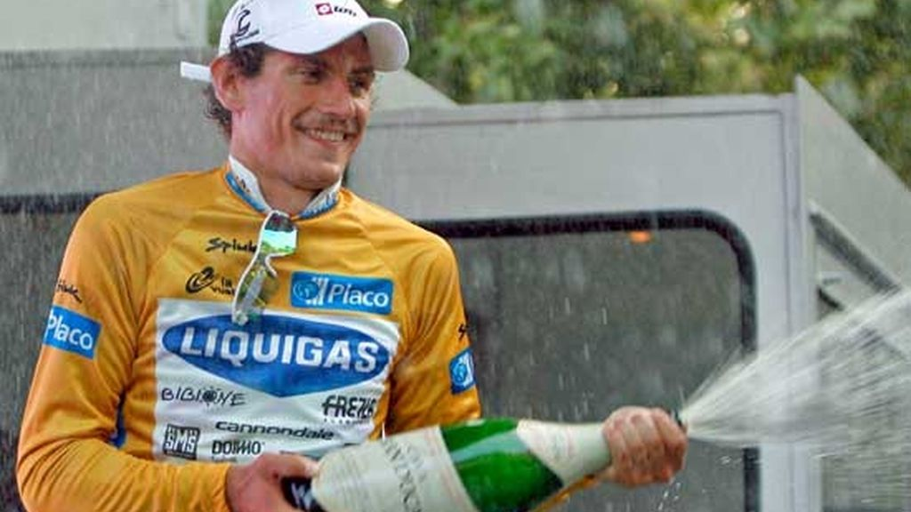 Etapa 1: Pozzato, primer líder