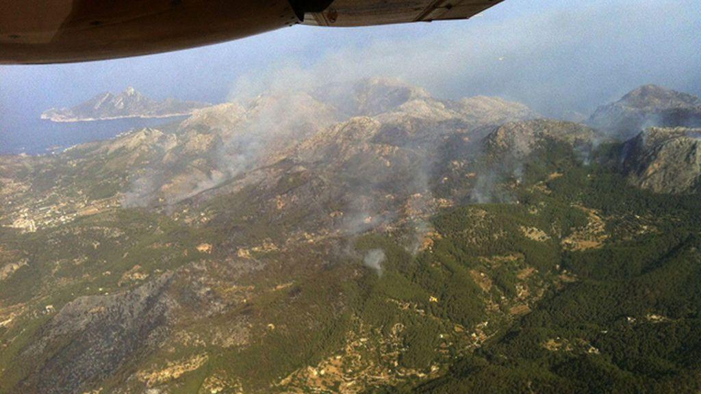 Continúa descontrolado el fuego de Andratx tras quemar más de 1.600 hectáreas
