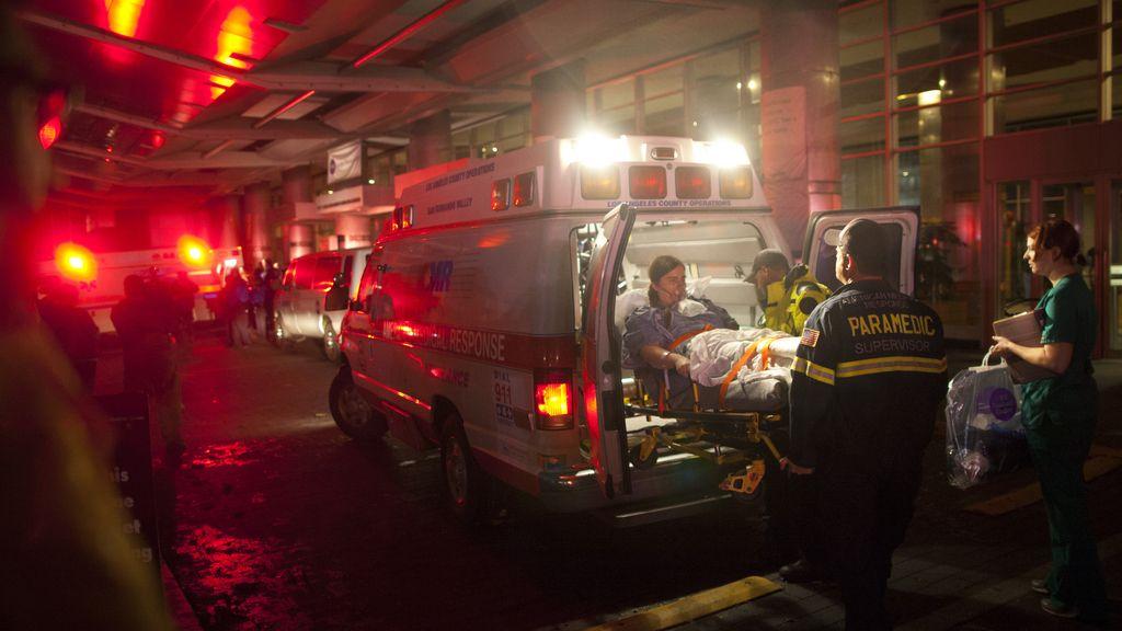 Evacuación del hospital Tisch de Nueva York por los efectos del huracán Sandy