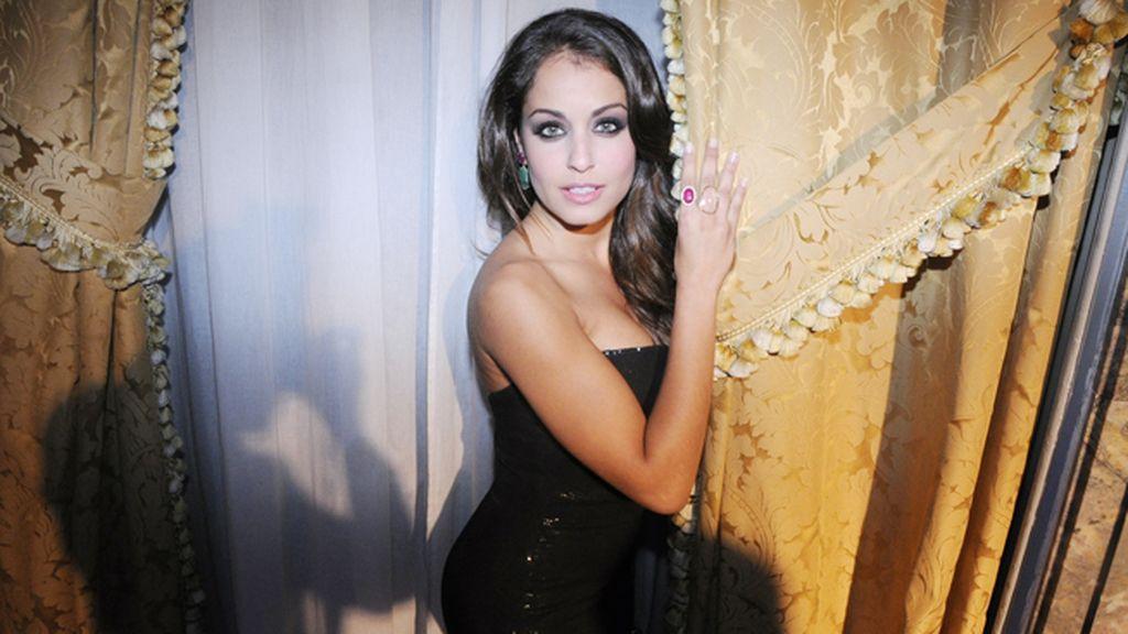 Hiba Abouk volvió a destacar como una de las más bellas de la fiesta
