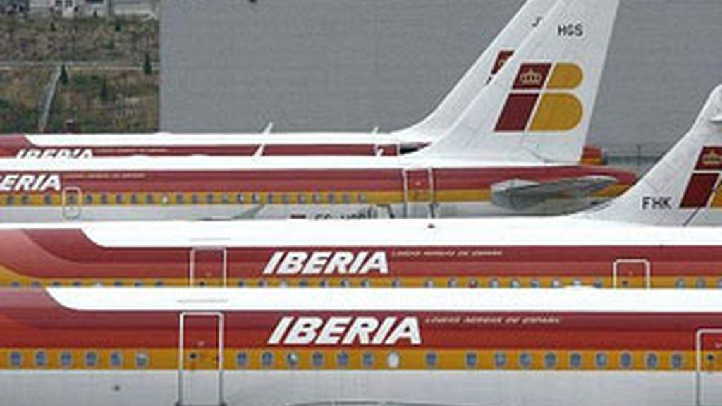 Iberia se ha visto obligada a cancelar ocho vuelos en el día de Nochebuena. Foto de archivo. EFE