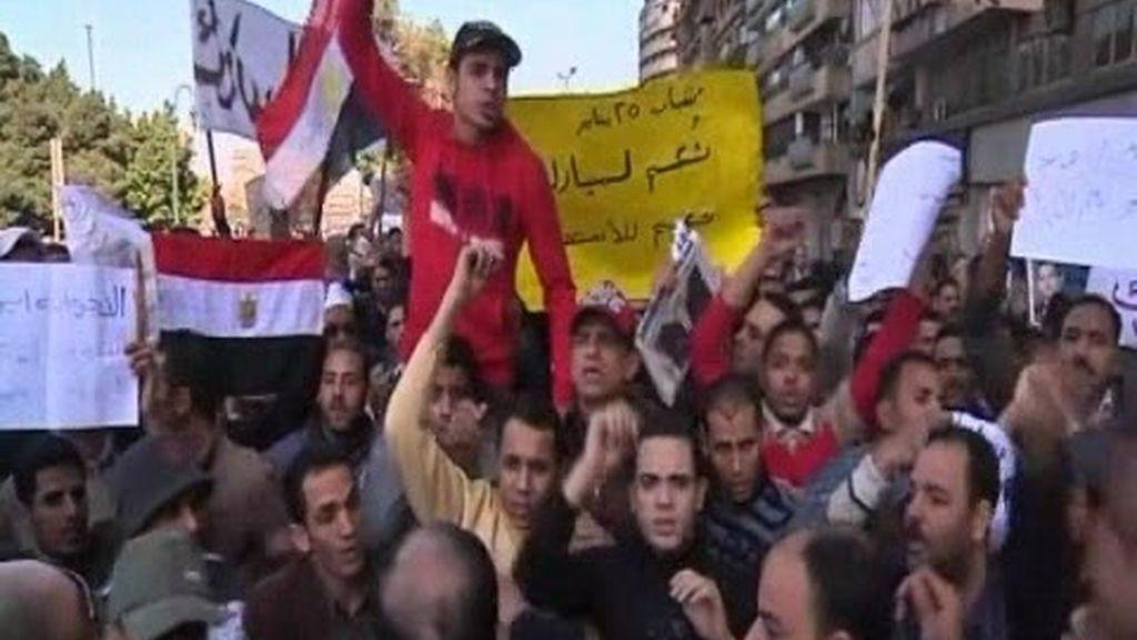Una batalla campal se apodera de El Cairo