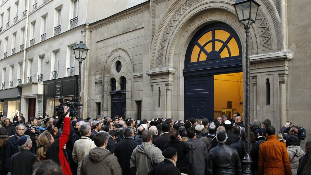 Francia se viste de luto