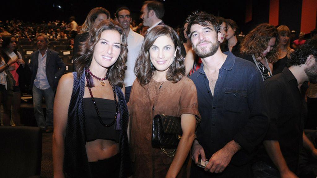 Belén López, Toni Acosta y Alfonso Bassave