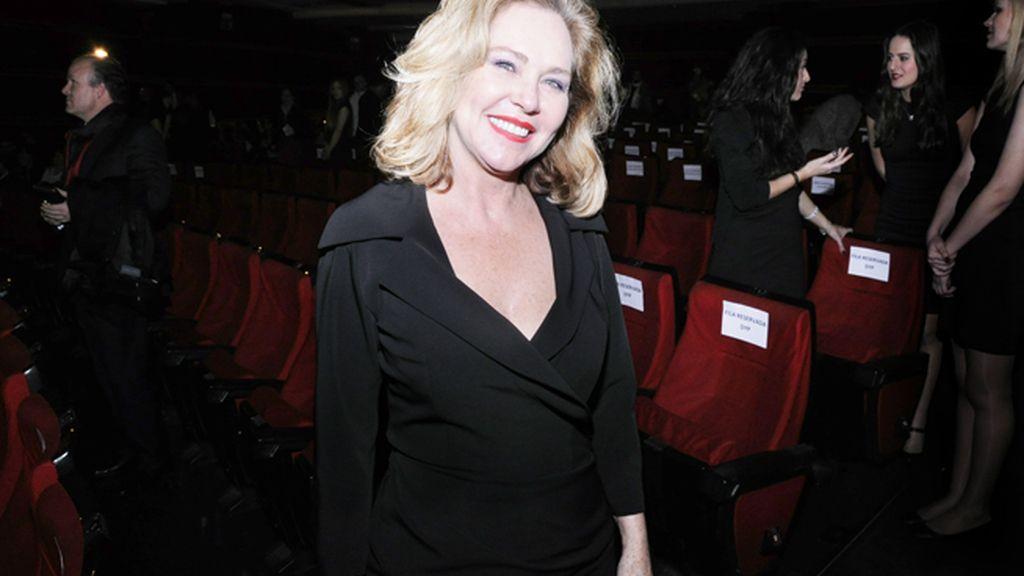 Ana Rodríguez fue de las primeras invitadas en llegar al cine Capitol