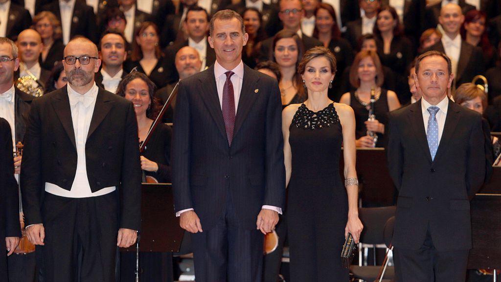 Los reyes Felipe y Letizia en el tradicional concierto por los premios Princesa de Asturias