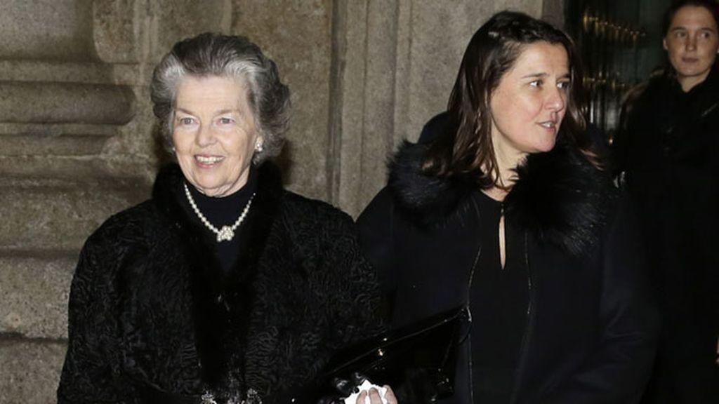 Ana de Orleans, viuda de Don Carlos de Borbón Dos-Sicilias saliendo del funeral