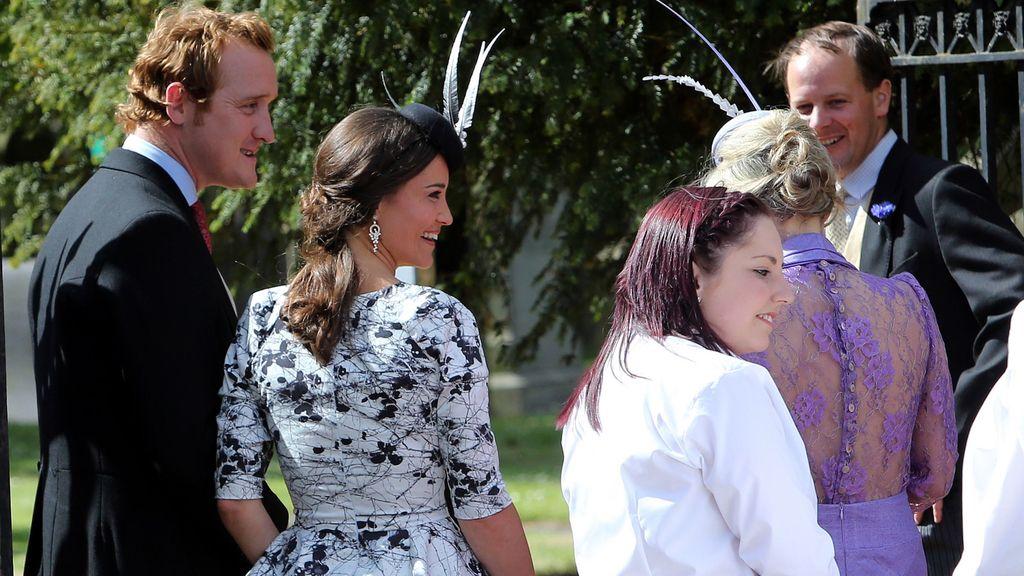 Pippa Middleton y su tocado de plumas