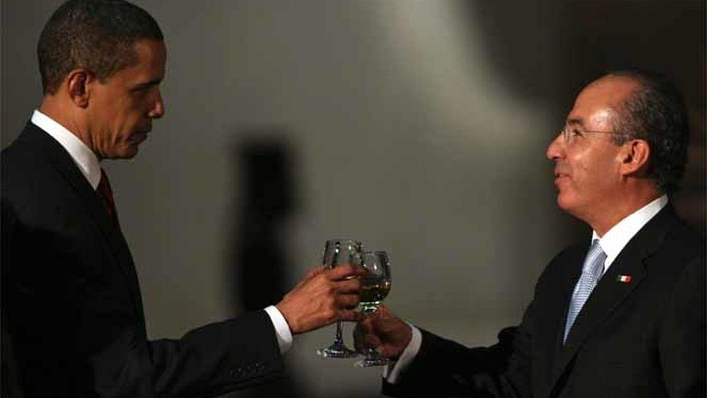 Brindis entre Obama y Calderón