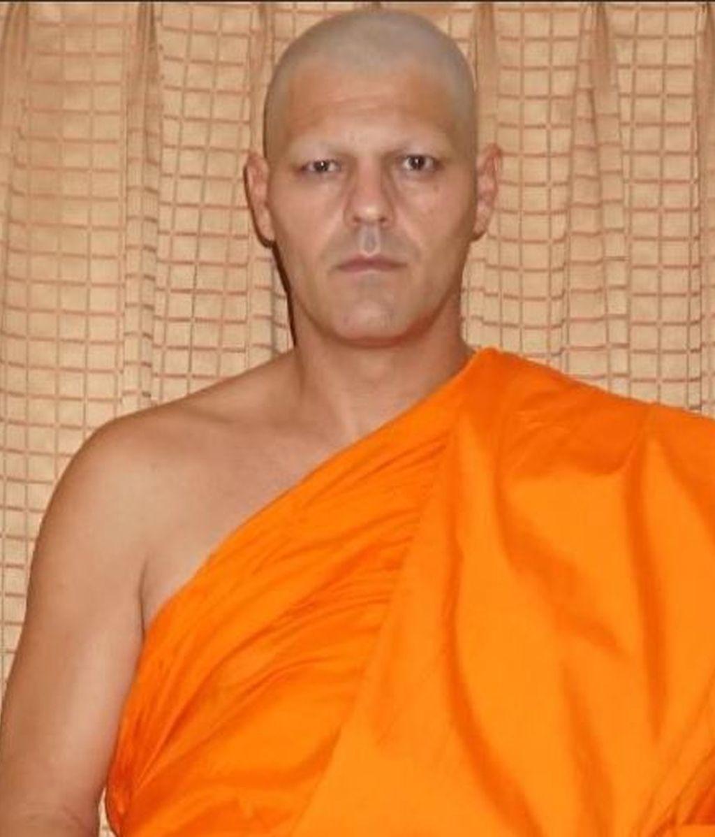 Frank Cuesta decide raparse y convertirse en un monje tibetano las próximas 4 semanas