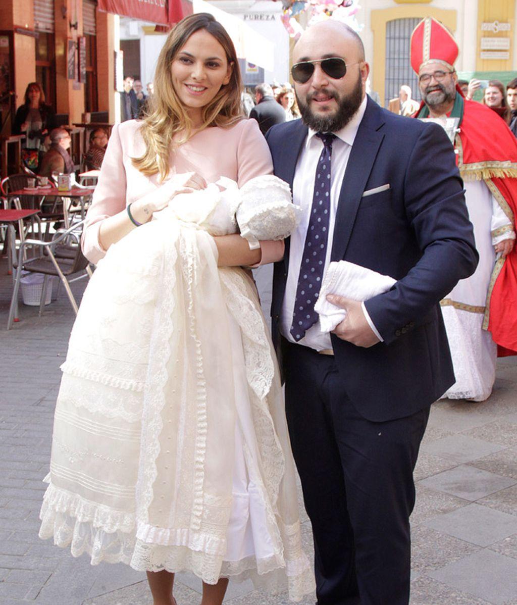 Isabel Pantoja acudió a la celebración, pero no al bautizo de la pequeña Ana