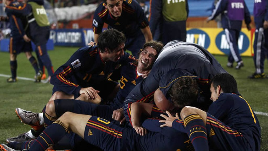 'La Roja' es una piña tras el gol del Guaje