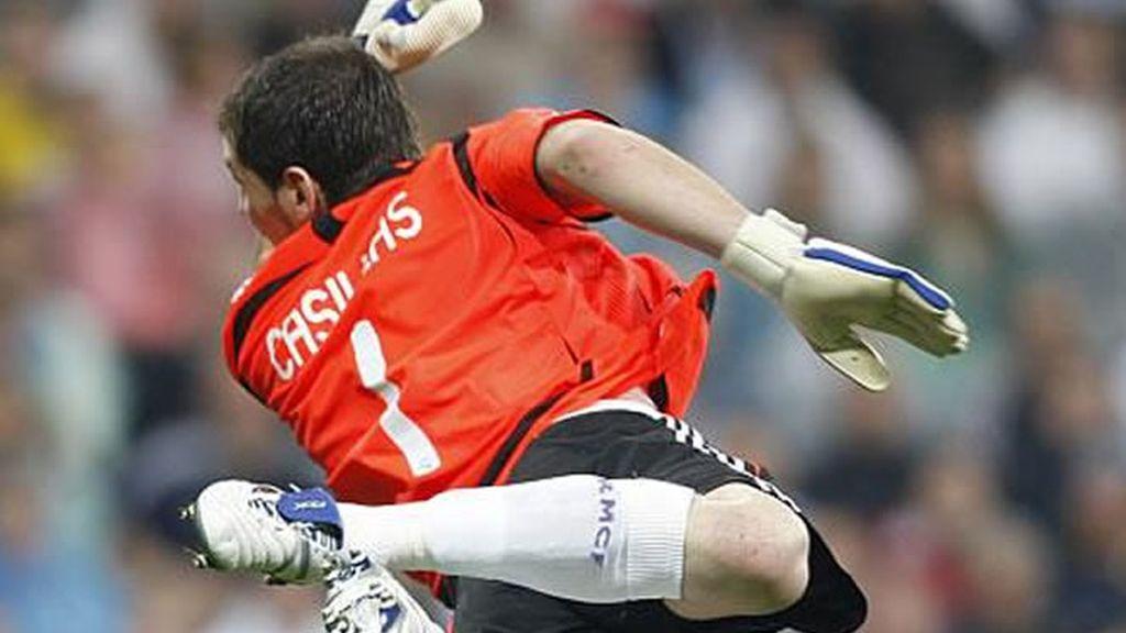 Casillas ha sido elegido por tercera vez mejor portero del mundo por la Federación Internacional de Estadísticas del Fútbol