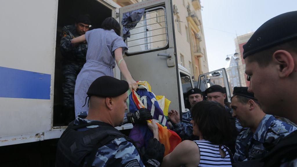 Una treintena de detenidos durante el Desfile del Orgullo Gay de Moscú
